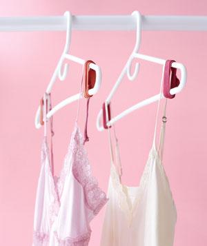 empêcher les vêtements de glisser du cintre 02